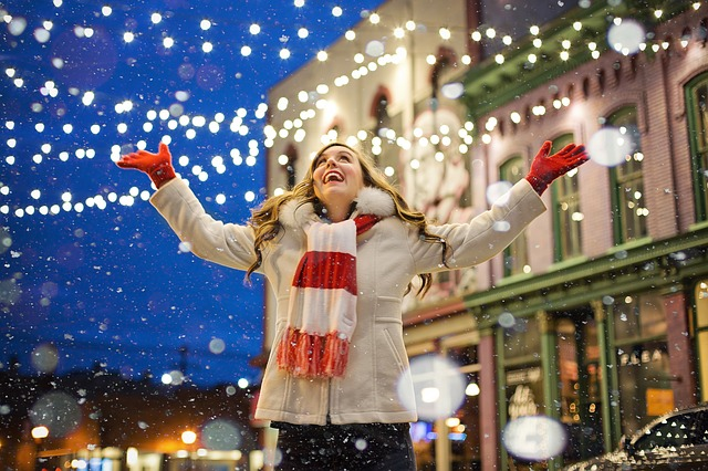 Tips for Being Happily Single Over the Holidays